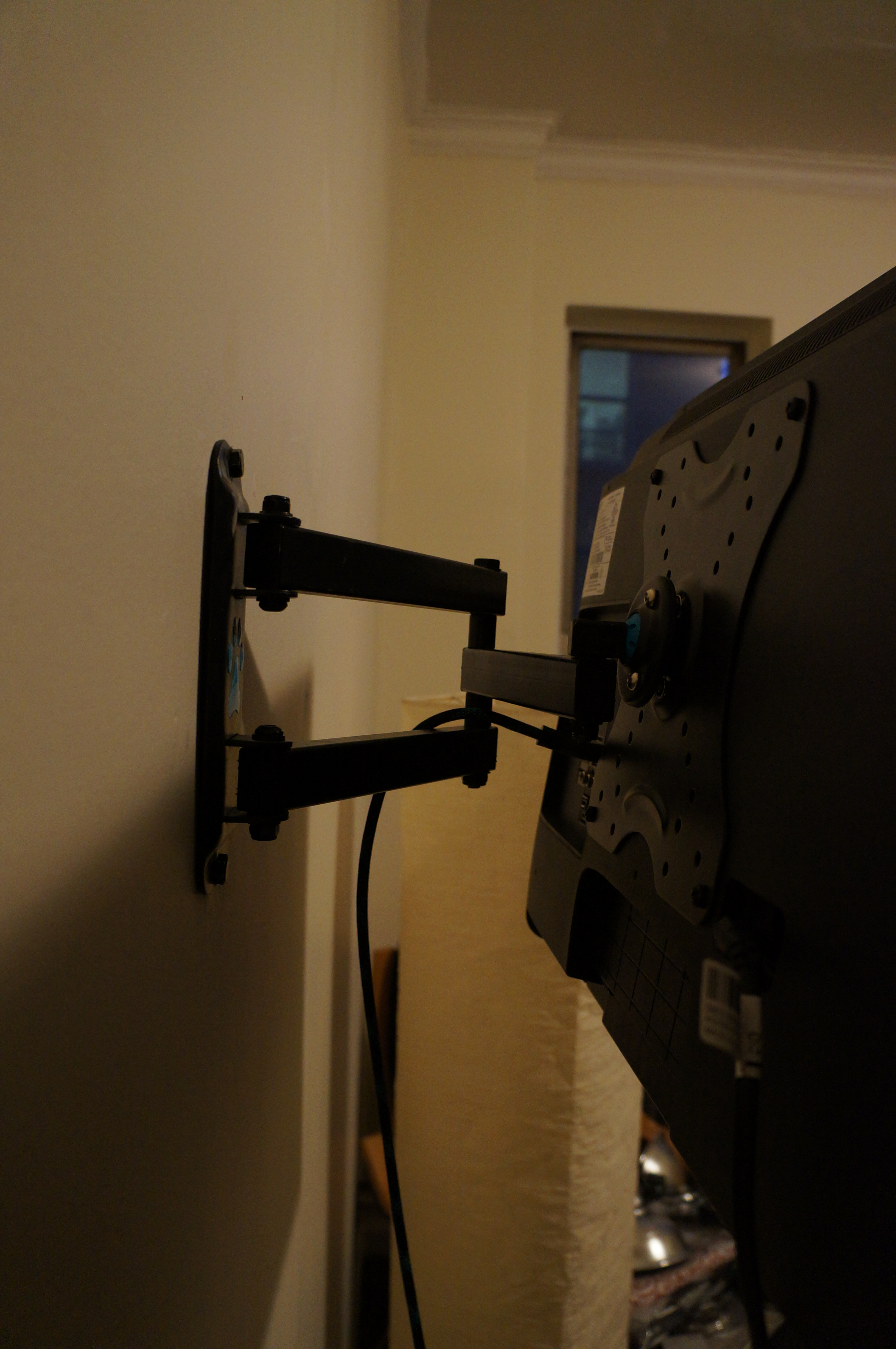 The mount for the TV is a Cheetah brand mount and itu0027s very flexible. It  lets you take the